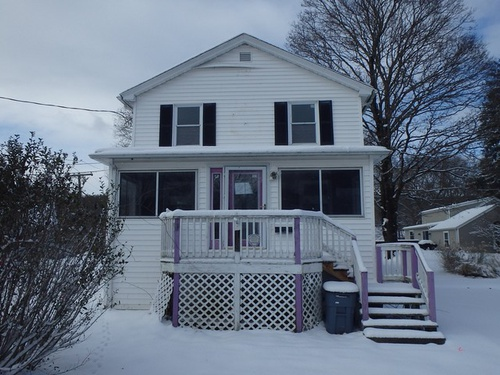 Photograph of 122 North St, Norwich, CT 06360