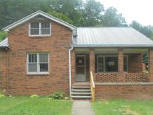 Photograph of 48 Maplewood Lane, Pineville, WV 24874