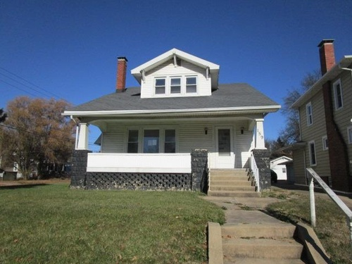Photograph of 159 W Locust St, Canton, IL 61520