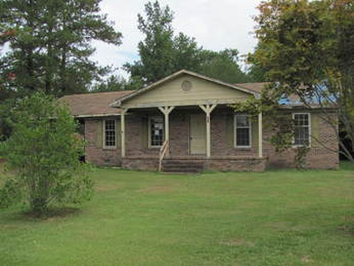 Photograph of 203 E Bostic St, Beulaville, NC 28518