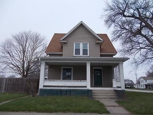 Photograph of 195 E Penn Ave, Roseville, IL 61473