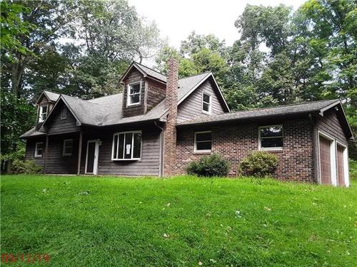 Photograph of 52 Oak Ln, New Columbia, PA 17856