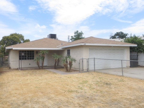 Photograph of 325 B St, Arvin, CA 93203