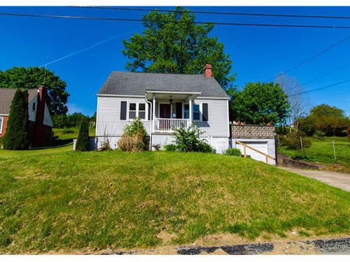 Photograph of 310 S Lincoln Ave, Greensburg, PA 15601