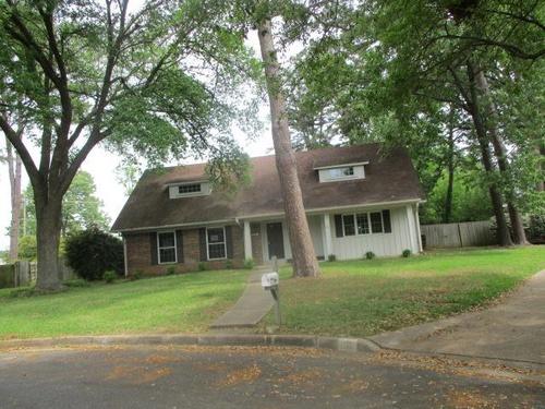 Photograph of 9 Cherrywood Cir, Longview, TX 75604