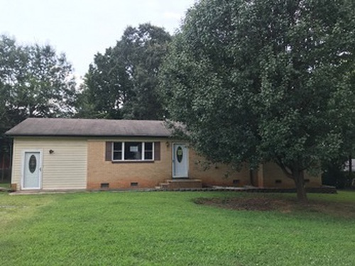 Photograph of 3219 Starrland Dr, Gastonia, NC 28052
