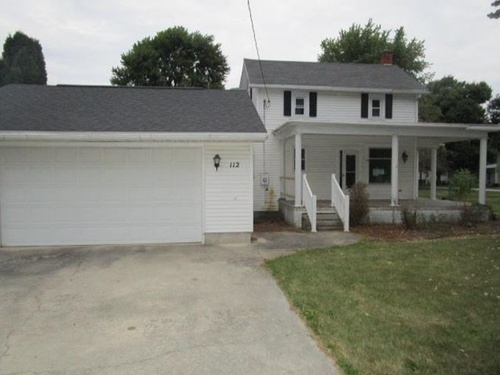 Photograph of 112 W Elm St, Lindsey, OH 43442