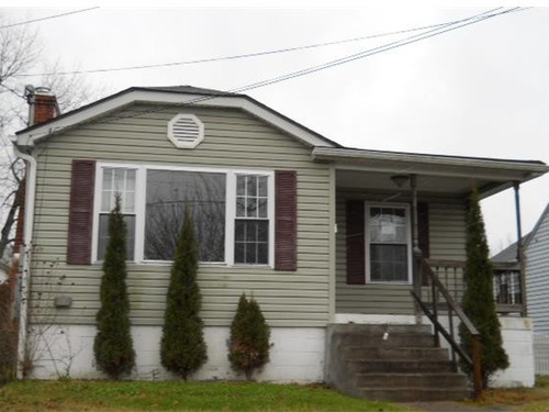 Photograph of 311 Thompson Ave, Oak Hill, WV 25901