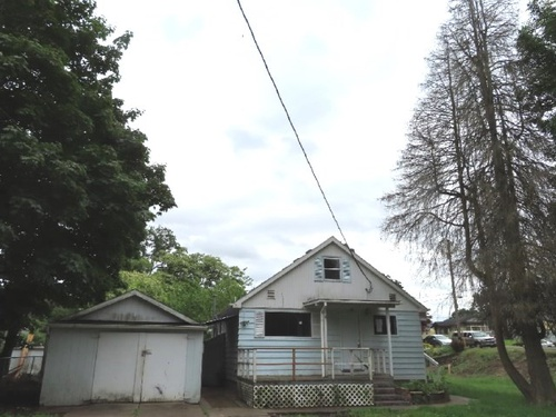 Photograph of 406 S 12th St, Saint Helens, OR 97051