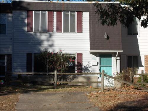 Photograph of 902 Cherokee Road, Portsmouth, VA 23701