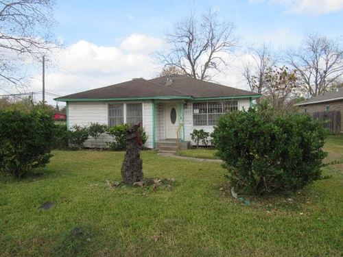 Photograph of 7905 Sexton St, Houston, TX 77028
