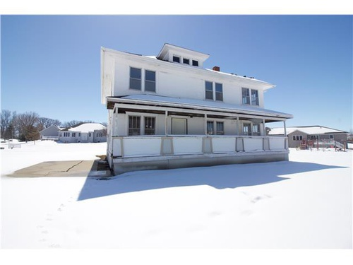 Photograph of 906 Valley Dr, Blue Earth, MN 56013