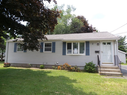 Photograph of 15 Overhill Dr, Berlin, CT 06037