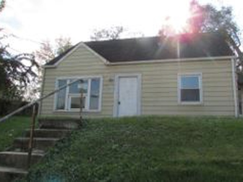 Photograph of 610 63rd Pl, Capitol Heights, MD 20743