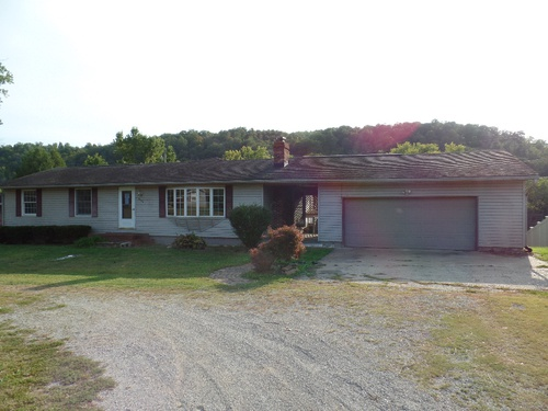 Photograph of 9125 N State Route 60 NW, Mcconnelsville, OH 43756