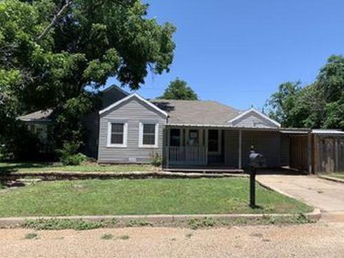 Photograph of 400 N 6th St, Ballinger, TX 76821