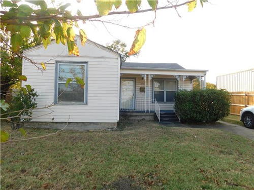 Photograph of 2600 Miller Ave, Fort Worth, TX 76105