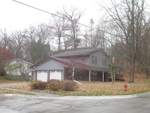 Photograph of 3404 11th Ave, Moline, IL 61265
