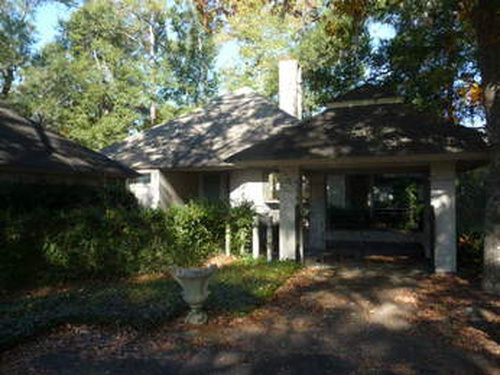 Photograph of 526 Island Cir E, St Helena Island, SC 29920