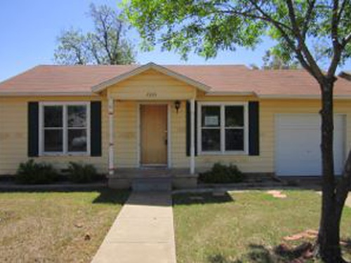 Photograph of 2305 Guadalupe St, San Angelo, TX 76901