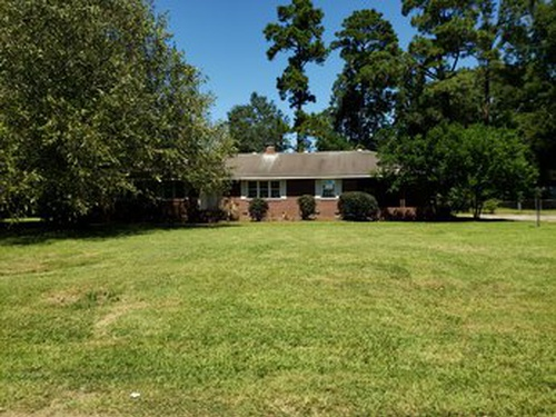 Photograph of 204 W Murray St, St George, SC 29477