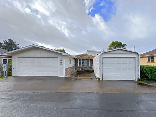 Photograph of 1601 Rhododendron Dr Space 589, Florence, OR 97439