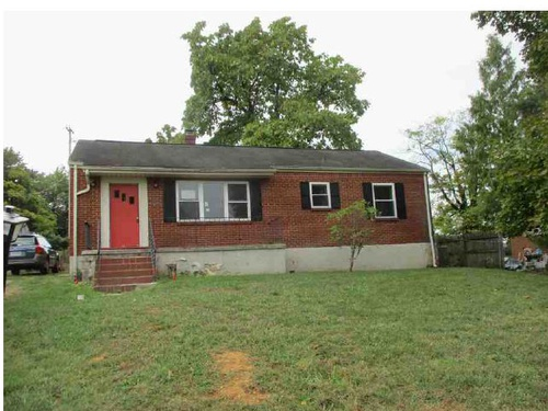Photograph of 2620 Springhill Dr NW, Roanoke, VA 24017