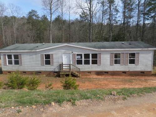 Photograph of 372 Beacon Lane, Mount Airy, NC 27030
