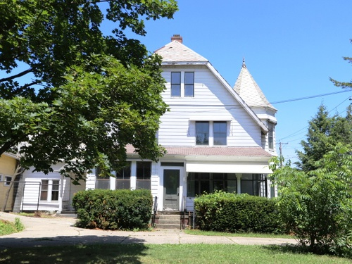 Photograph of 140 Oak St, Indian Orchard, MA 01151