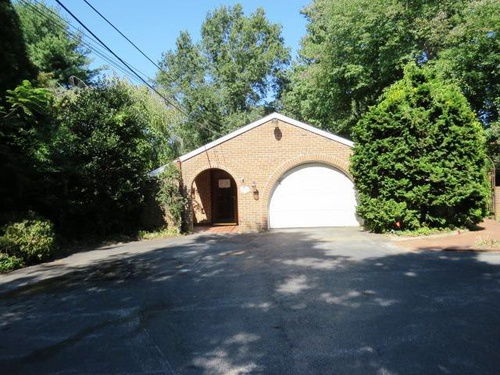 Photograph of 211 W Rose Tree Rd, Media, PA 19063