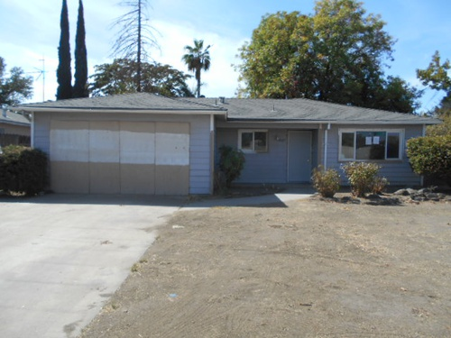 Photograph of 4827 N Hughes Ave, Fresno, CA 93705