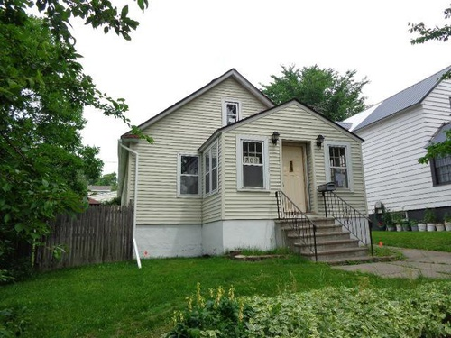 Photograph of 709 Hayes St, Eveleth, MN 55734