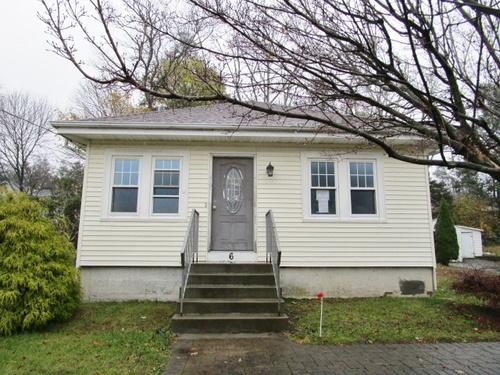 Photograph of 6 Hattie Ave, Greenville, RI 02828
