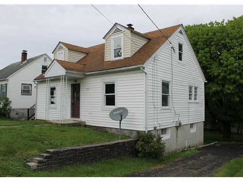 Photograph of 173 Mccoole Ave, Paw Paw, WV 25434