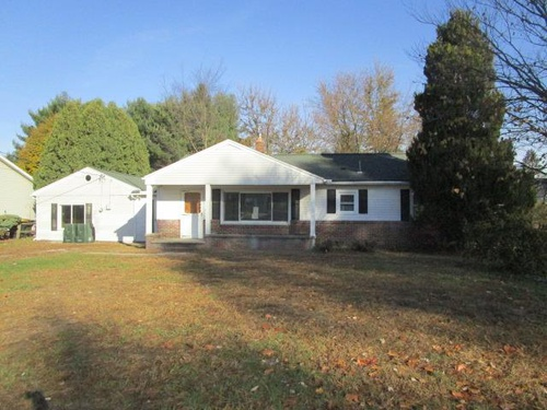 Photograph of 11144 West St, Whitehouse, OH 43571