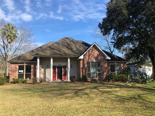 Photograph of 10725 Black Oak Dr, Baton Rouge, LA 70815