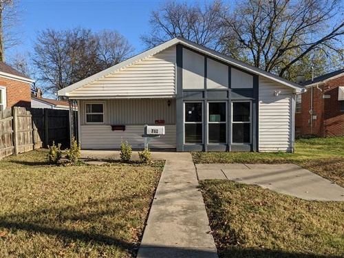 Photograph of 712 N Keebler Ave, Collinsville, IL 62234
