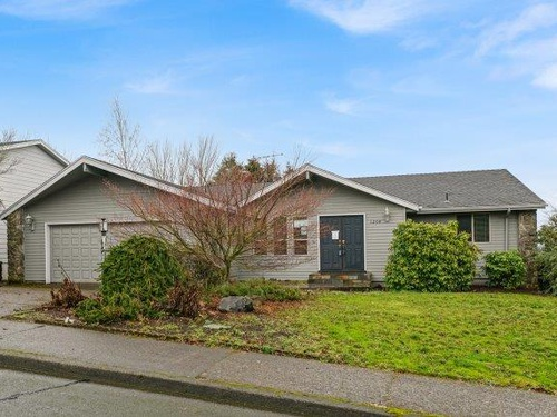 Photograph of 1204 35th Ave NW, Salem, OR 97304