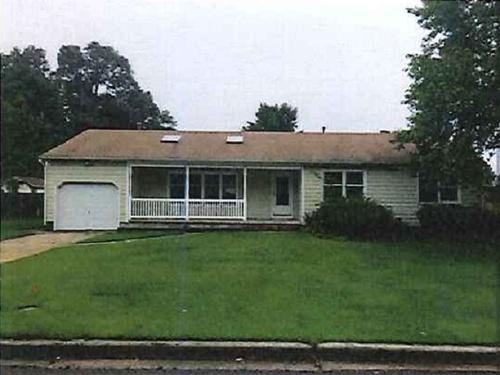Photograph of 18 Brookside Drive, Egg Harbor Township, NJ 08234
