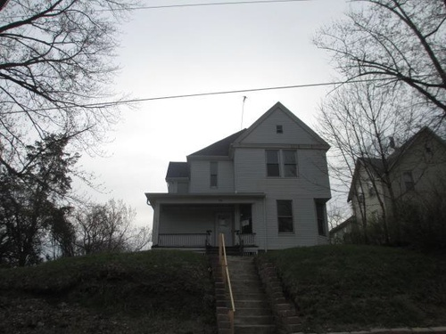Photograph of 830 15th St, Moline, IL 61265
