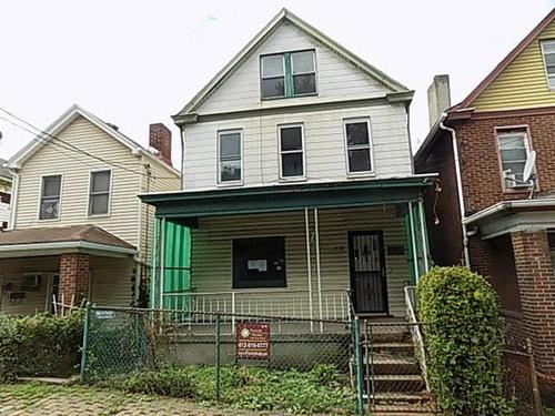 Photograph of 530 Stokes Ave, Braddock, PA 15104