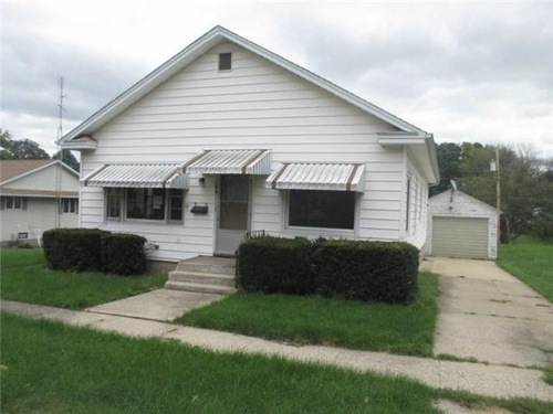 Photograph of 69 Plummer Ave, Chadwick, IL 61014