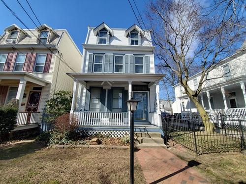 Photograph of 422 Locust Ave, Burlington, NJ 08016