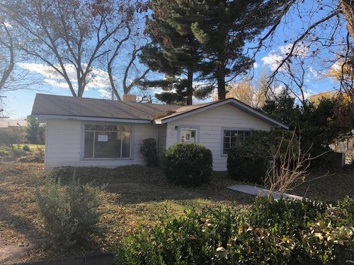 Photograph of 907 7th St, Tularosa, NM 88352