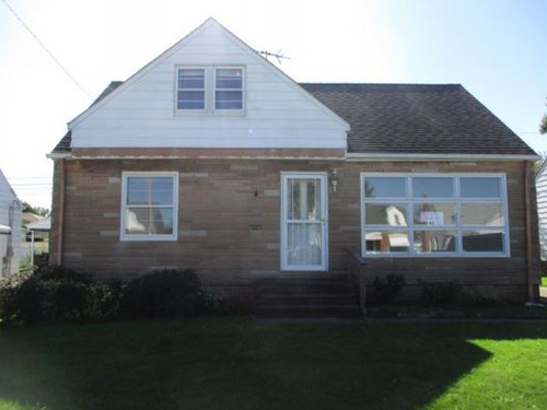 Photograph of 14802 Reddington Ave, Maple Heights, OH 44137