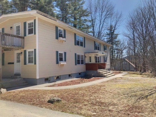 Photograph of 74 1 High St, Goffstown, NH 03045