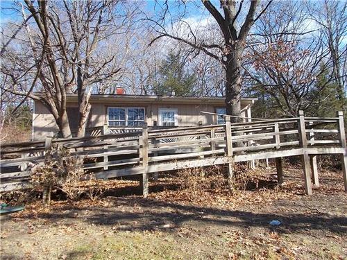 Photograph of 8534 Oak Point Rd, Ozawkie, KS 66070