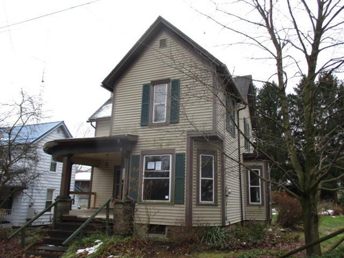 Photograph of 46373 Walnut St, Rogers, OH 44455
