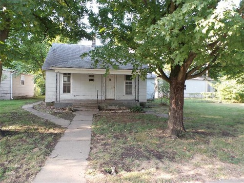 Photograph of 1010 Nelson St, Webb City, MO 64870