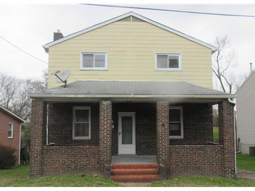 Photograph of 208 Hillendale Ave, Baltimore, MD 21227